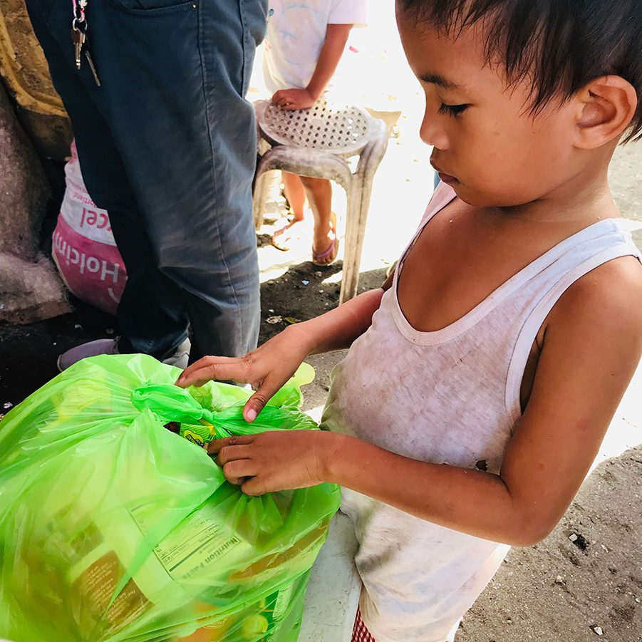 philippino-children-nourishment-food-pantry-program
